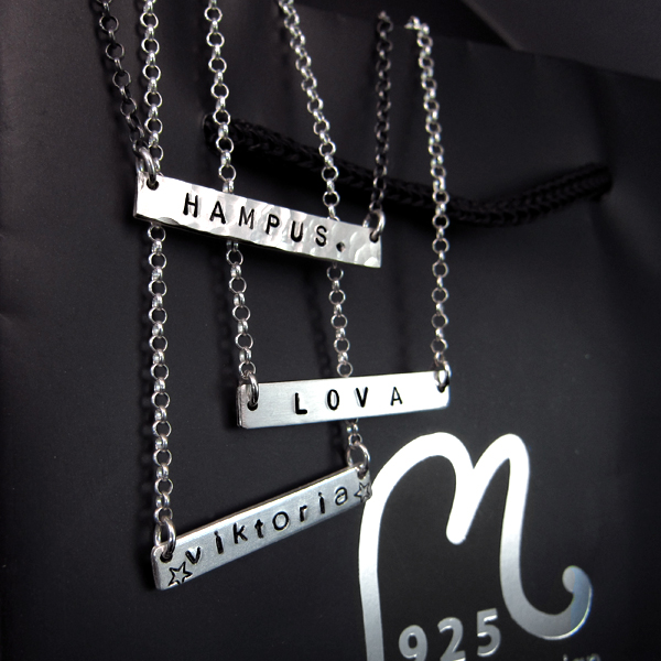 Personalized silver necklace, horizontal tag. Engraving included.