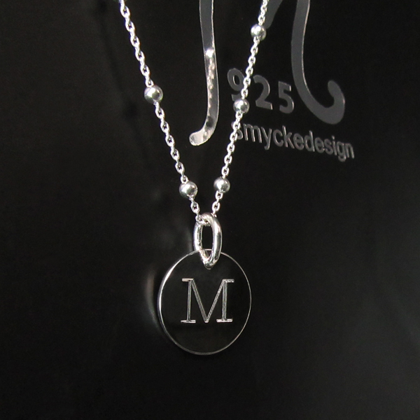 Personalized silver necklace. Circular tag, medium.
