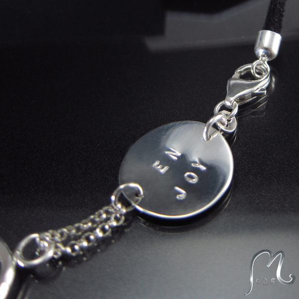 Bracelet and necklace in silver. Champagne. Engraving included.