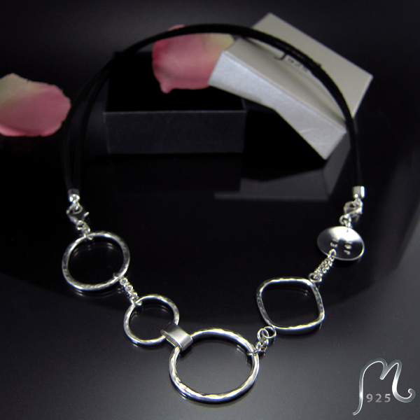Bracelet & necklace in silver. Engraving incl.