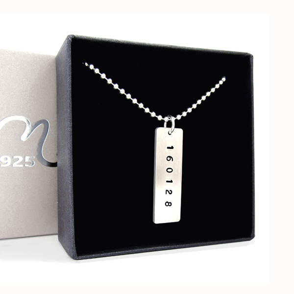 One tag name necklace in silver. Engraving included.