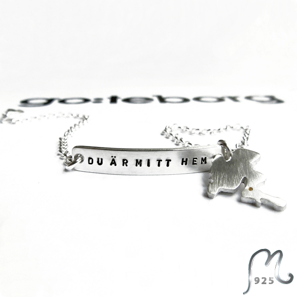 Personalized bracelet with geografic charm.