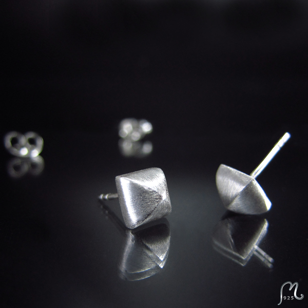 Urban stories. Rivet silver studs.