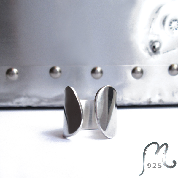 A Capella. Minimalist silver ring. NEW!