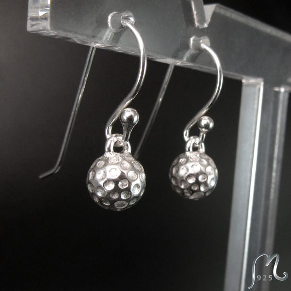 Silver earrings w. golf ball. Hook. Golf jewelry. NEW!