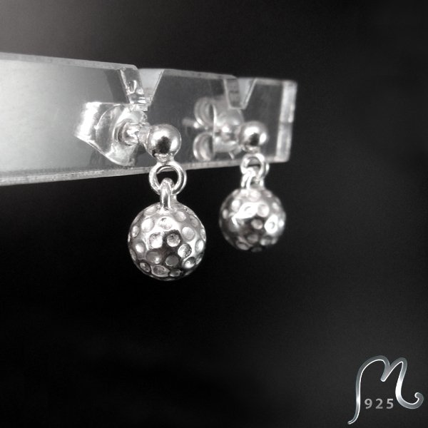 Silver studs w. golf ball. Hanging. Golf jewelry. NEW!