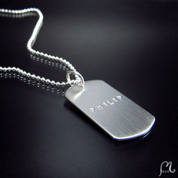 ID-necklace with 1 tag. Silver. Engraving included.
