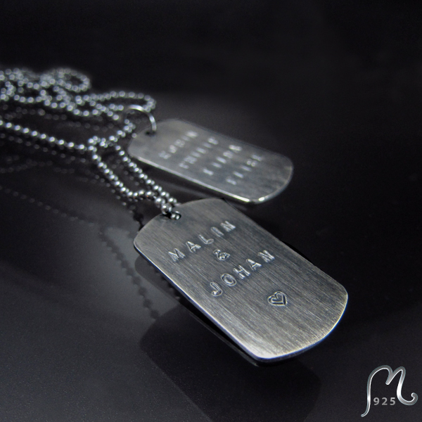 ID necklace w. 2 tags. Oxidized silver. Chain. Engraving included.