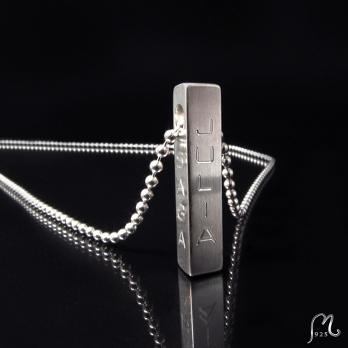 Name necklace in silver, for him. Rod with chain. Engraving included.
