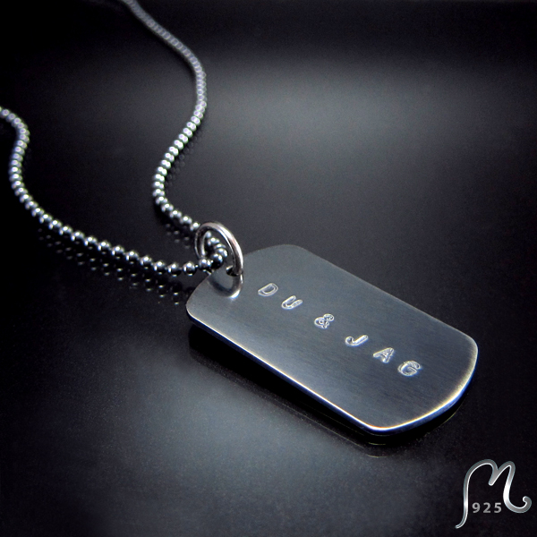 ID necklace w. 1 tag. Oxidized silver. Engraving included.