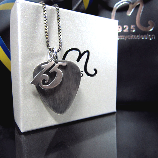 Personalized silver plectrum necklace Number.