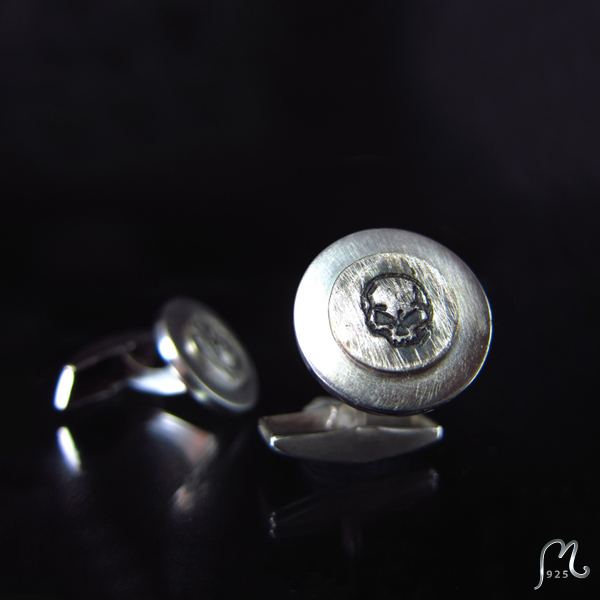 Cufflinks in silver. Symbol of your own choice.