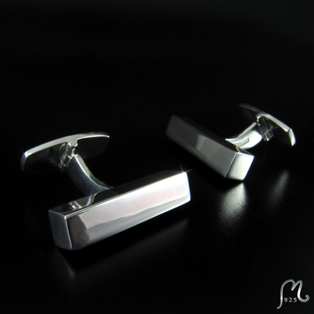 Cuff links in silver. Rods.