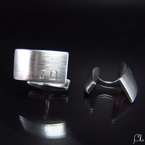 Cufflinks in silver. Boat shaped. Engraving included.