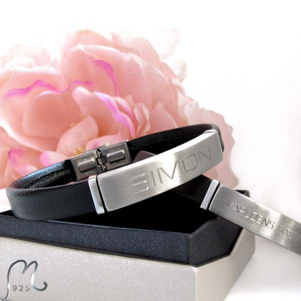Personalized leather bracelet. Adjustable lenght. Engraving included.
