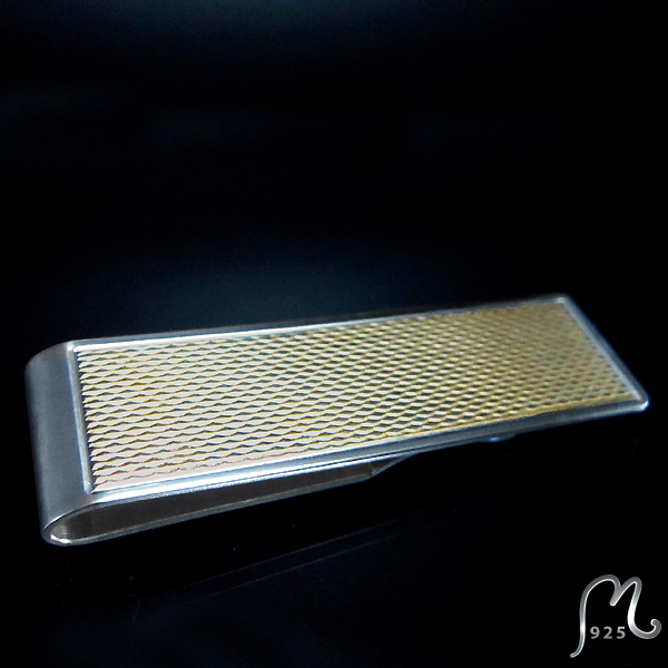 Money clip in silver. Gold coated.