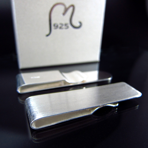Money clip in silver Matte. SOLD OUT!