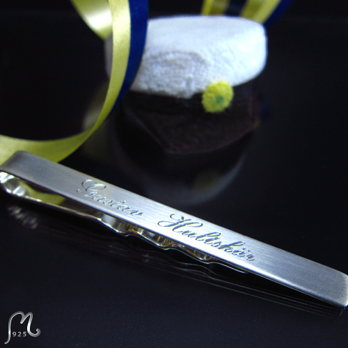 Tie clip in silver. Engraving included.