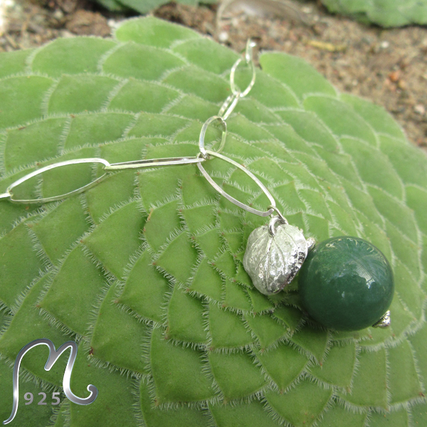 Silver necklace w. ovals and jade bead. NEW!