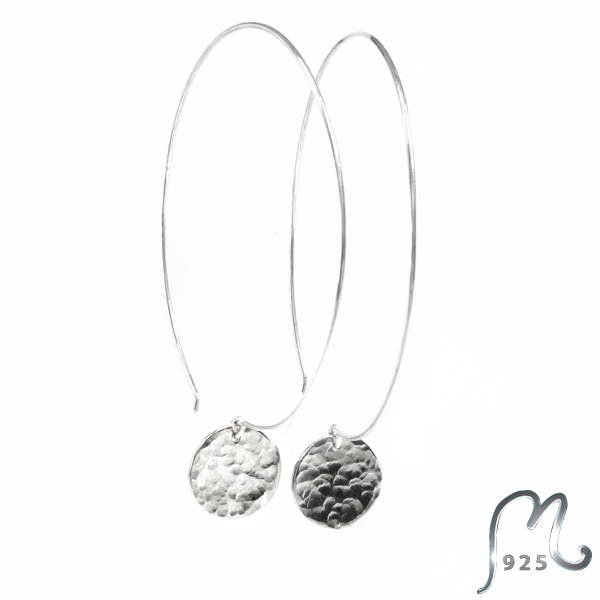 Champagne. Circular silver earrings.