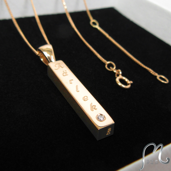 Gold necklace, rotable rod. Engraving & diamond.