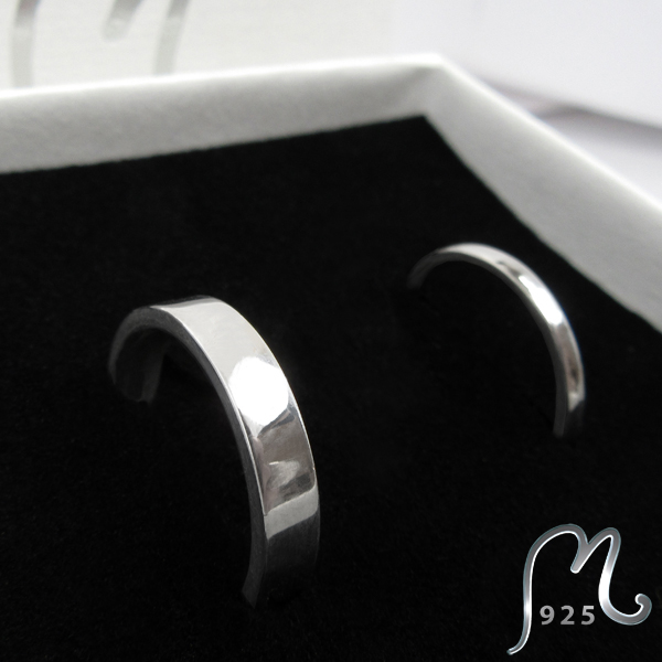 Wedding & engagement bands in 18 k. white gold.