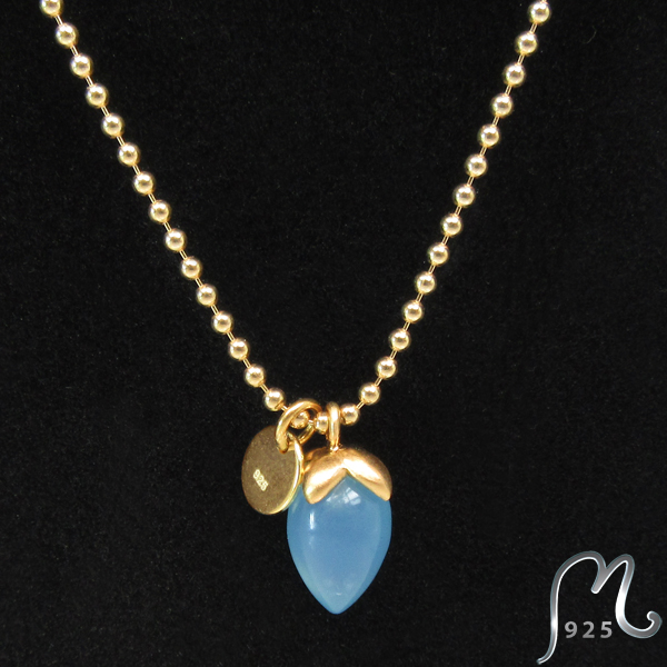 Necklace with blue gemstone. Gold plated.