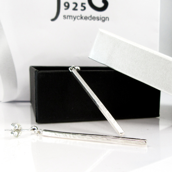 Champagne. Long silver rod earrings. NEW!